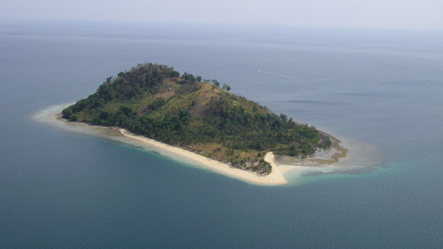 BEST MARINE RESERVE. This is Buluan Island in Ipil, Zamboanga Sibugay, home to the best-managed marine protected area in the country. Photo courtesy of MSN