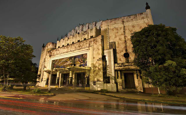 SET FOR RESTORATION. The NCCA wants the decaying Manila Metropolitan Theater to see glorious days once more as a venue for artistic performances and exhibits. Photo by Corteco8 on Wikipedia