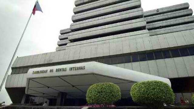 NOT FEASIBLE. The strict observance of BIR e-filing is not administratively feasible for time being, CPA-CMA and lawyer Edgar V. Mendoza writes. File photo from Agence France-Presse
