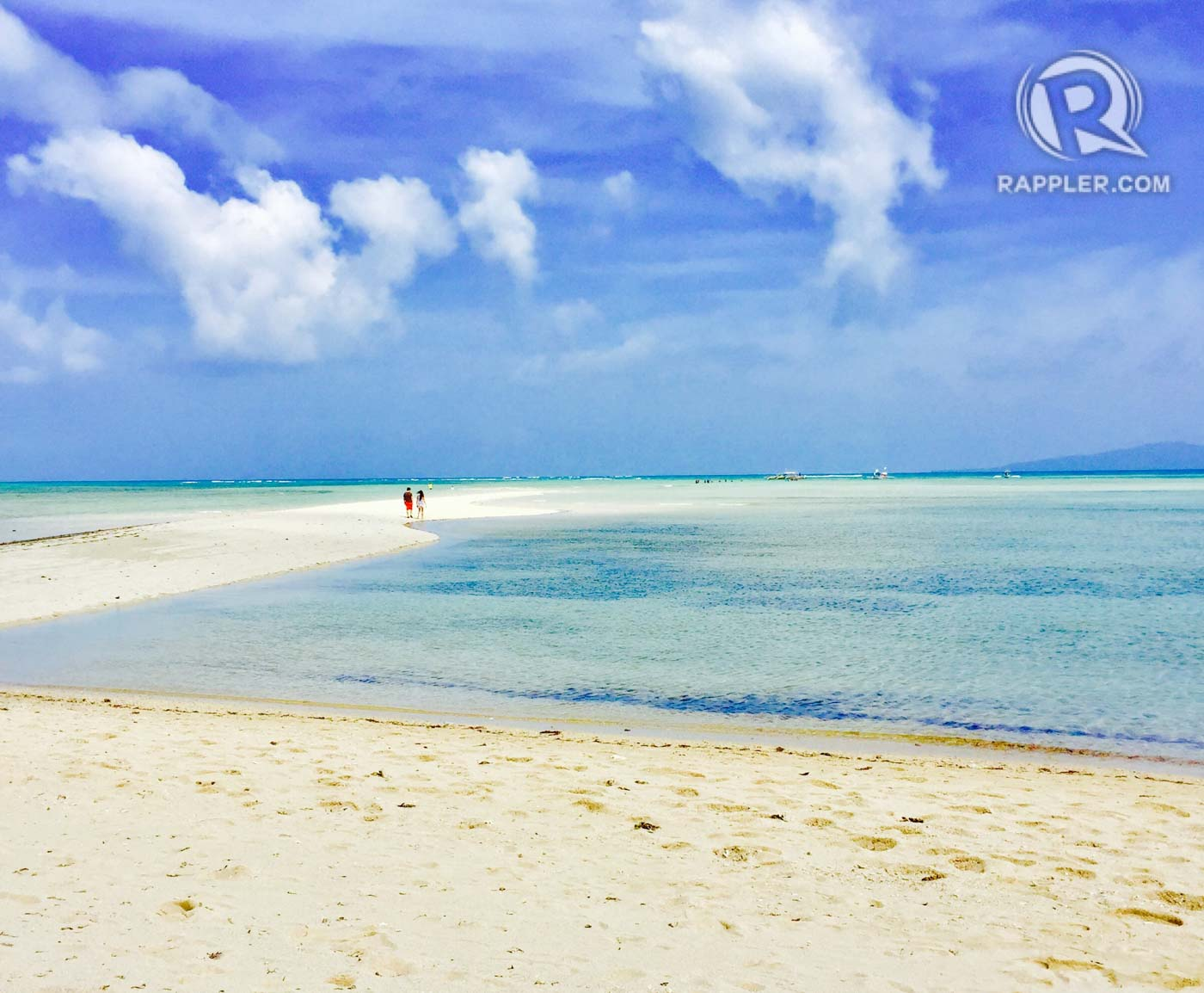 DREAMSCAPE. Cagbalete Island's Instagram-worthy sand bar. Photo by Geruel Monton