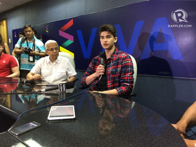 FAMILY GUY. Kobe Paras (right) talks to the media during a press conference at the Viva office. Photo by Naveen Ganglani/Rappler