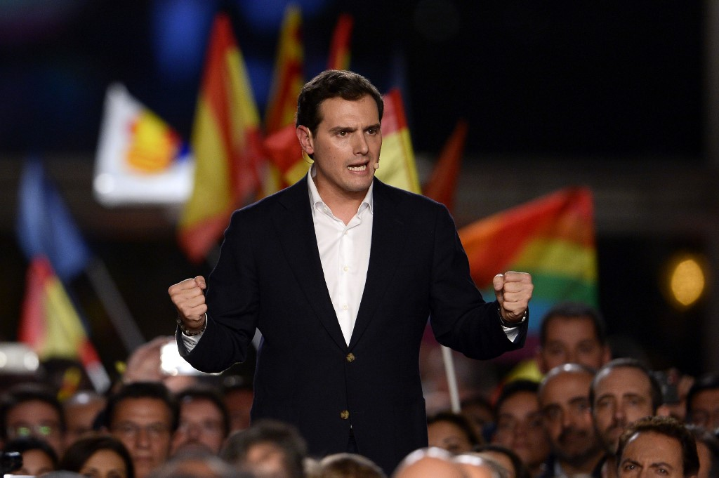 SEEKING A MAJORITY. Spanish liberal Ciudadanos party leader and candidate for prime minister, Albert Rivera, delivers a speech during their last campaign rally in Barcelona on November 8, 2019 ahead of the November 10 general election.Photo by Pau Barrena/AFP