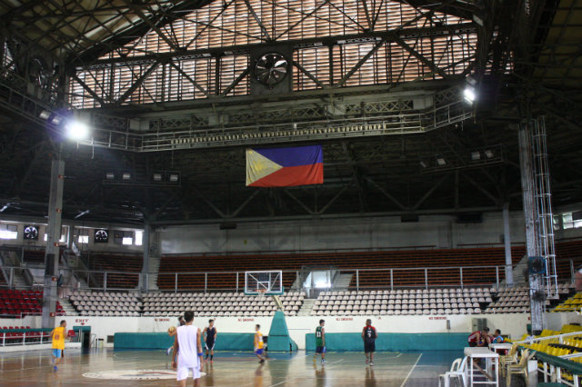 The basketball court at Rizal once hosted many legendary cage showdowns, but the big leagues of the Philippines have now moved to more modern facilities. Photo by Mike Ochosa/Rappler