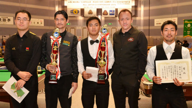 VICTORIOUS. Johann Chua (middle) comes away as champion. Photo from billiards-days.com