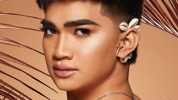 E! AWARD. Filipino Youtube sensation Bretman Rock is this year's Beauty Influencer of the Year. Photo from Bretman Rock's Instagram account