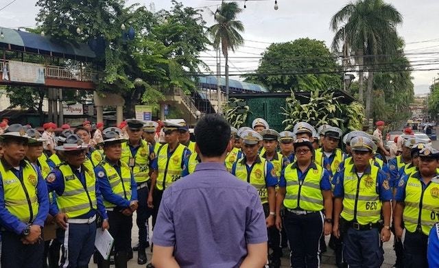 PASIG CHIEF. Pasig City Mayor Vico Sotto offers traffic enforcers a way to secure their tenure even as he warns them to 'straighten up' or face dismissal and prosecution. Photo from Sottou00e2u0080u0099s Facebook page