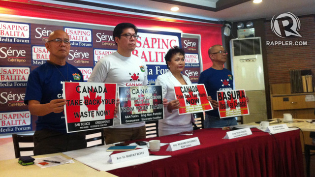 'RESPECT OUR DIGNITY.' Civil society groups and lawmakers call on the Canadian government to fulfill their commitments to an international agreement that bans illegal shipment of waste to other countries. Photo by Pia Ranada/Rappler