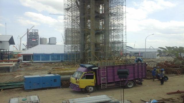 PT Semen Indonesia di wilayah Kendeng, Pati, Jawa Tengah tetap melanjutkan proyek dan berencana meresmikan tahap uji coba pabrik semen pada September. Foto oleh Fariz Fardianto