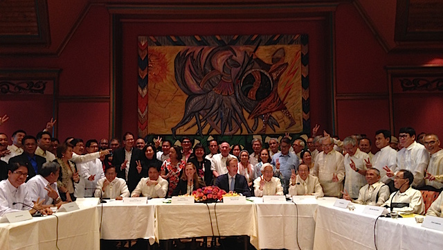 SUCCESS. The first round of talks in Oslo, Norway, resulted in a historic and unprecedented joint statement. Photo by Carmela Fonbuena/Rappler