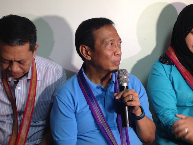 LOOKING FOR A RUNNING MATE. Vice President Jejomar Binay tells reporters on October 3, 2015, that he will announce his vice presidential candidate 'soon.' Photo by Mara Cepeda/Rappler