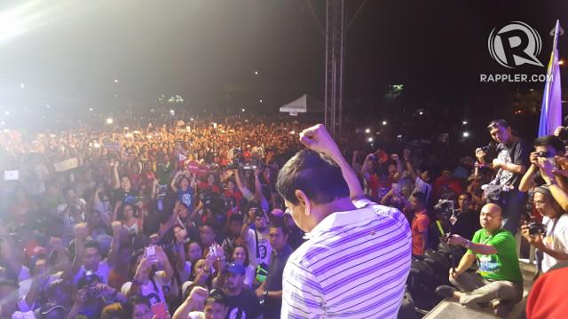 CAMPAIGN TRAIL. Duterte speaks at a public rally in Iloilo City on April 19, 2016. Photo by Pia Ranada/Rappler