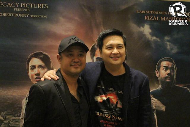 PRODUSER DAN SUTRADARA. Rizal Mantovani (sutradara) dan Robert Ronny (produser) adalah dua sosok penting di balik produksi film 'Gerbang Neraka'