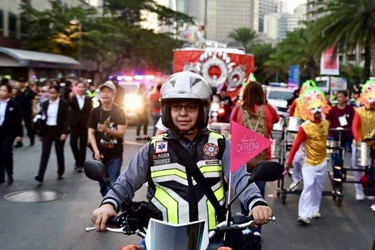 SAFE RIDER. Jonjon Guarin volunteers for the homecoming of Ms Universe Catriona Gray's homecoming parade on February 21, 2019. Photo by Alecs Ongcal/Rappler