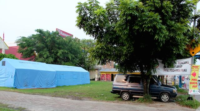 MEMBAIK. Seluruh Posko Kesehatan di Pekanbaru ditutup. Penutupan menyusul semakin membaiknya udara di Pekanbaru, dan warga yang berobat karena kabut asap juga sudah tidak ada. Foto oleh Denni Risman/Rappler