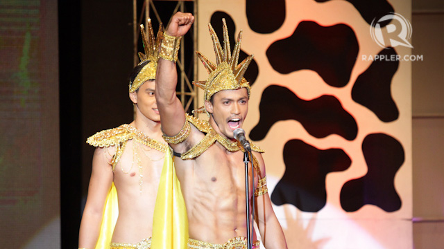 VICTORY. Neil Perez, representing Tondo, in the opening segment of the Misters of the Philippines pageant back in September 2014. File photo by Mark Cristino/Rappler  u00a9 Mark Fredesjed R. Cristino