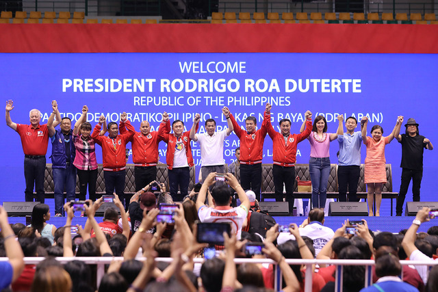 CAMPAIGN RALLY. President Rodrigo Duterte joins his chosen senatorial bets at the Alonte Sports Arena in Biu00f1an City, Laguna, on February 23, 2019. Malacau00f1ang photo