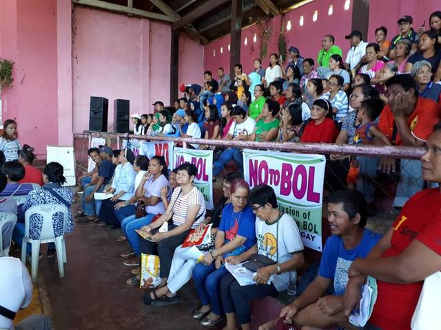 VOTE 'NO'. Thousands gather at the peace assembly for non-inclusion of Isabela City in the Bangsamoro Autonomous Region in Muslim Mindanao. Photo from PIA Western Mindanao