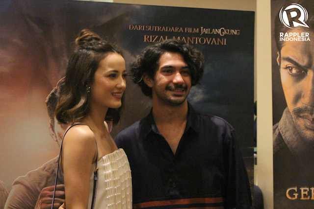 PEMERAN UTAMA. Reza Rahadian dan Julie Estella, pemeran utama di film 'Gerbang Neraka'