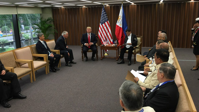 FIRST MEETING. American President Donald Trump and Philippine President Rodrigo Duterte hold their first ever bilateral meeting. MPC pool photo