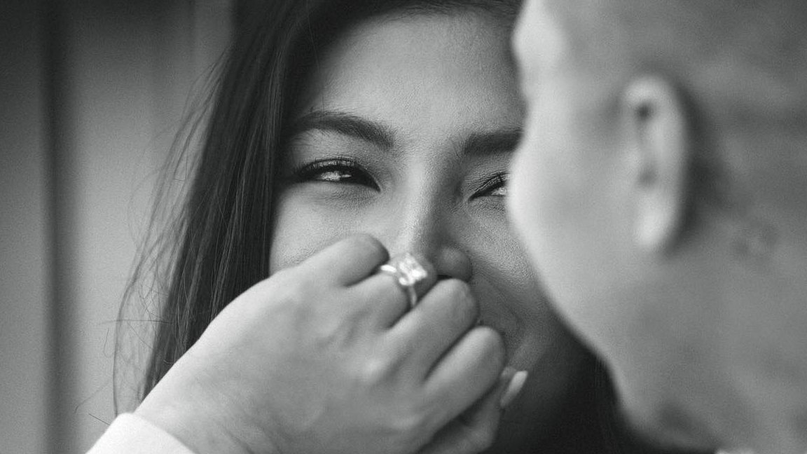 ENGAGED. Angel Locsin confirms her engagement with boyfriend Neil Arce on Saturday, June 29. Photo from Angel Locsin's Facebook page
