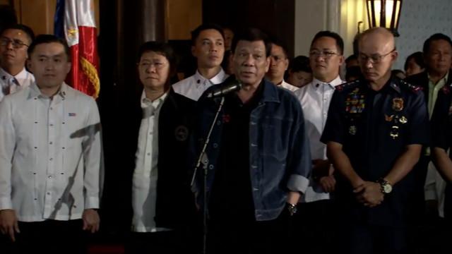 COMMANDER IN CHIEF. President Rodrigo Duterte curses erring cops presented to him on August 7, 2018. RTVM screenshot