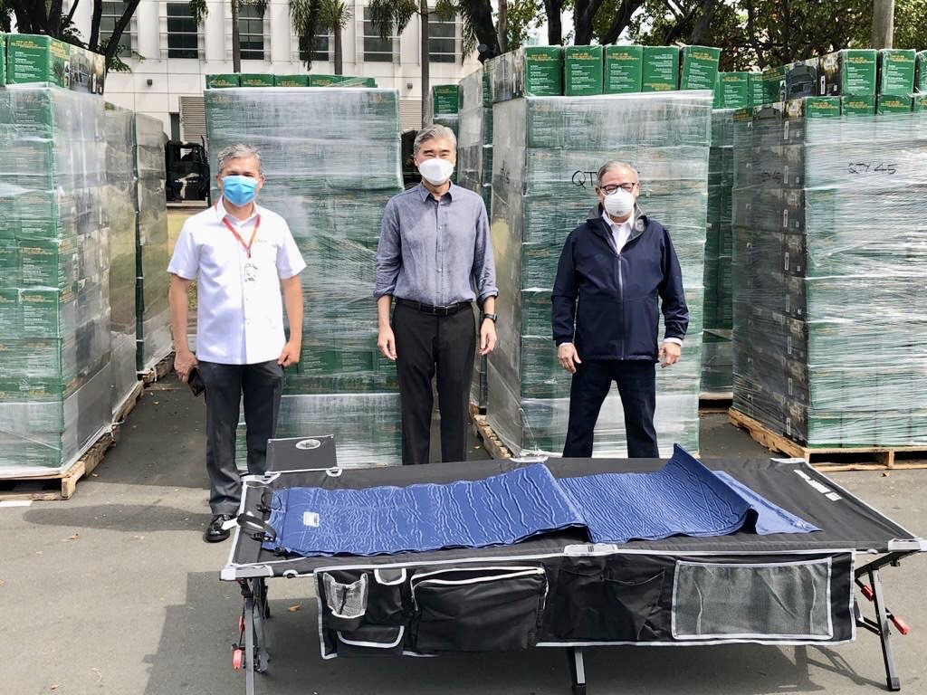 SUPPLIES. The United States government gives over 1,000 cots to be used in health and quarantine facilities. Photo from US embassy in the Philippines