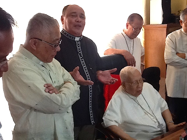 NTC MEMBERS. Bishops from the National Transformation Council issue a statement on February 13, 2015, to hold President Benigno Aquino III accountable for the Mamasapano operation. Seated is Cebu Archbishop Emeritus Ricardo Cardinal Vidal, who read the statement. Photo by Dale Israel/Rappler