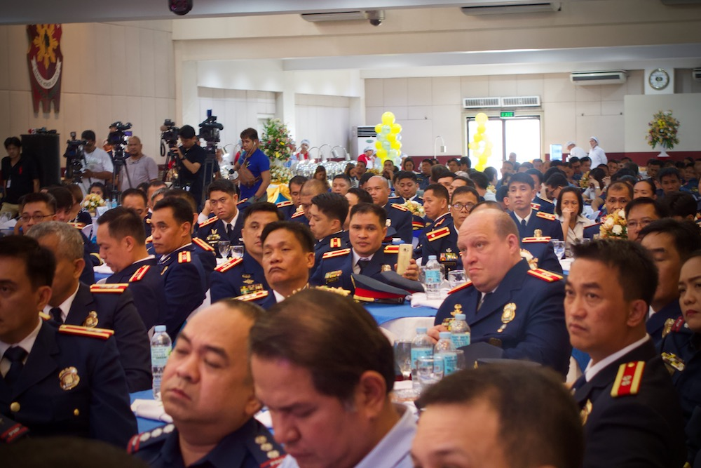 SPOTTED. Marvin Marcos sits with regional chiefs of the CIDG. Photo by Rambo Talabong/Rappler