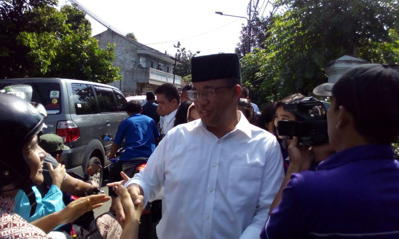 HAPUS. Gubernur DKI Anies Baswedan menghapus kewajiban bagi RT/RW untuk membuat laporan pertanggung jawaban (LPJ). Foto oleh Diego Batara/Rappler