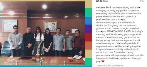 Foto dari akun instagrm awkarin.