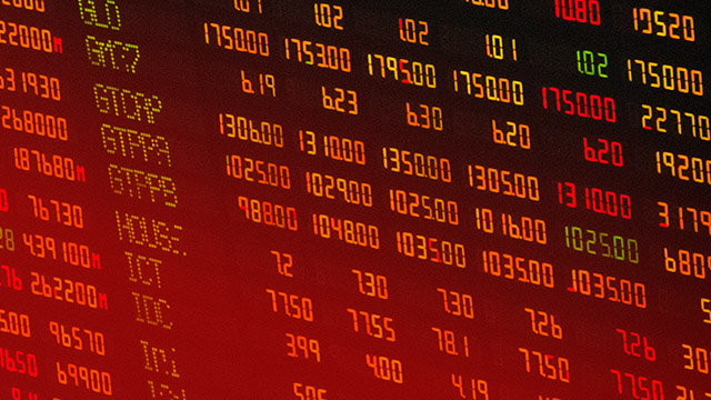 BLEEDING. The local bourse continues its losing streak. Shutterstock photo