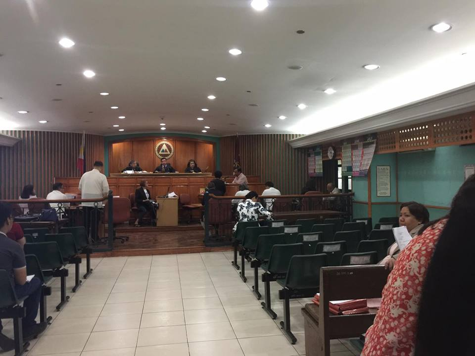 FIRST TIME. Despite an earlier ruling barring him from testifying in Elenita Binay's graft case involving alleged overpriced office fixtures, the ally-turned-foe of the Binays Ernesto Mercado takes the witness stand on March 29, 2017. Photo by Rappler