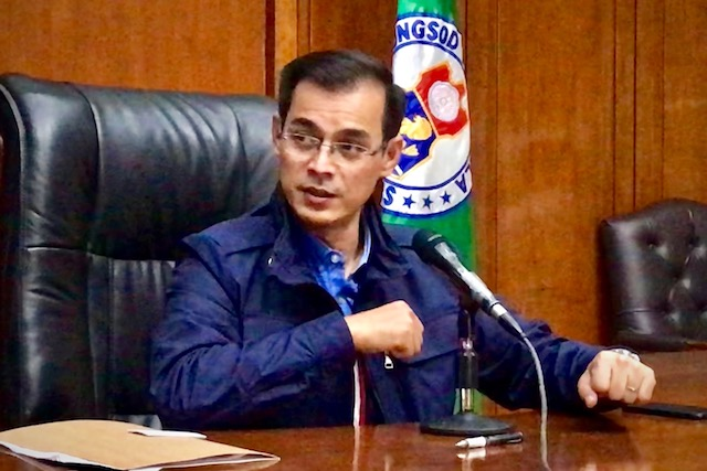 COMIC RELIEF. Manila Mayor Isko Moreno rants about corruption then impersonates an 'old politician.' Photo by Rambo Talabong/Rappler