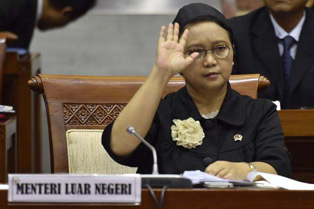 EVAKUASI. Menteri Luar Negeri Retno Marsudi mengatakan empat ABK Indonesia yang dibebaskan oleh perompak Somalia berhasil dievakuasi ke Nairobi, Kenya. Foto oleh Puspa Perwitasari/ANTARA