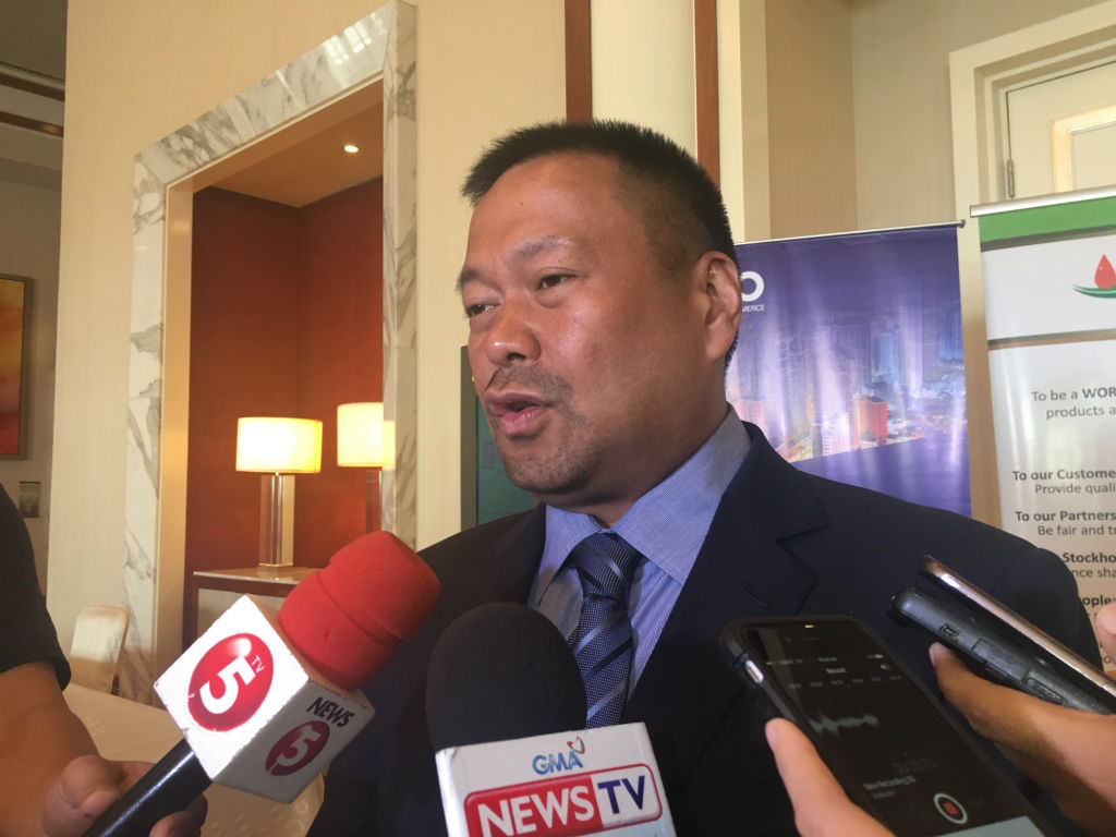OPEN TO COMPROMISE. Senator JV Ejercito still has some reservations on the proposed tax reform bill. Photo by Mara Cepeda/Rappler