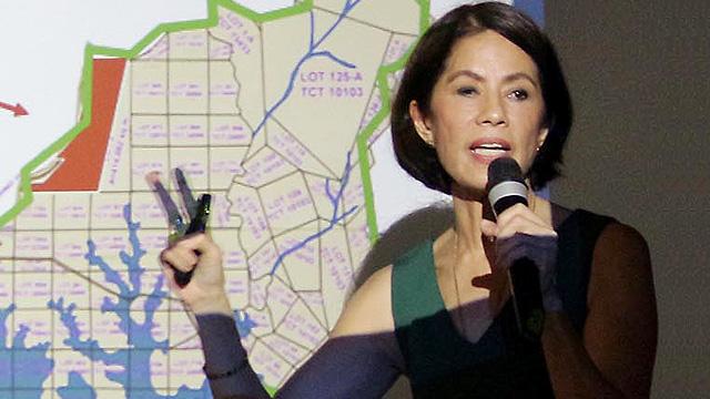 CLOSURE. Environment Secretary Gina Lopez announces the closure of mining operations of 23 mining firms. File photo by Joel Liporada/Rappler