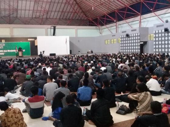 PENGAJIAN. Ribuan anggota Syiah melakukan pengajian Asyura di Semarang pada Minggu, 1 Oktober 2017. Foto oleh Fariz Fardianto/Rappler.