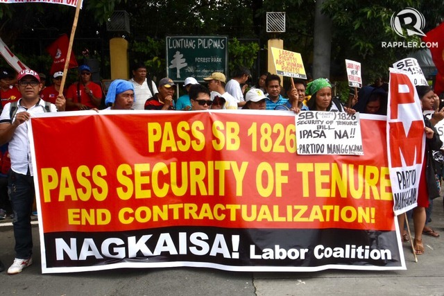 ENDO BILL. Workers stage a protest at the Senate on August 7, 2018, calling for the immediate passage of the Security of Tenure bill. Photo by Angie de Silva/Rappler