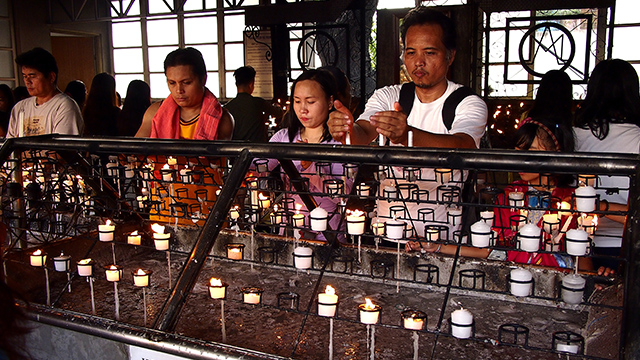 DEVOTION. The Philippines is a predominantly Catholic country. Photo from Shutterstock