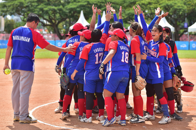 The Philippine women's softball team reigns supreme in Singapore. Photo by Singapore SEA Games Organising Committee/Action Images via Reuters
