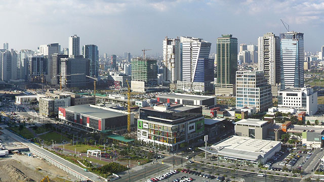 FORUM SHOPPING. The Supreme Court finds Makati guilty of forum shopping for simultaneously seeking the same legal remedy in its long-running dispute with Taguig over Bonifacio Global City. Rappler file photo
