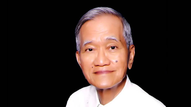 RAMON MAGSAYSAY AWARDEE. Former Ambassador Howard Dee is honored for his contributions to peace and social justice. Photo from ue.edu.ph