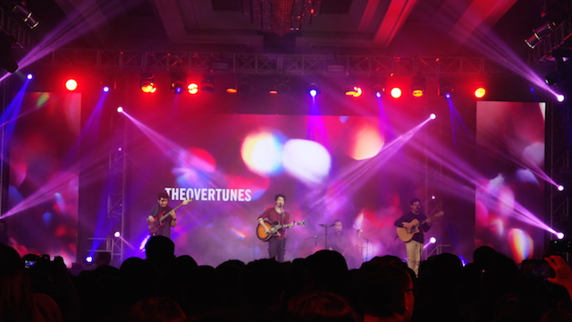 THE OVERTUNES. Suara Mikha Angelo dari The Overtunes membuat penonton meleleh. Foto oleh Sakinah Ummu Haniy/Rappler