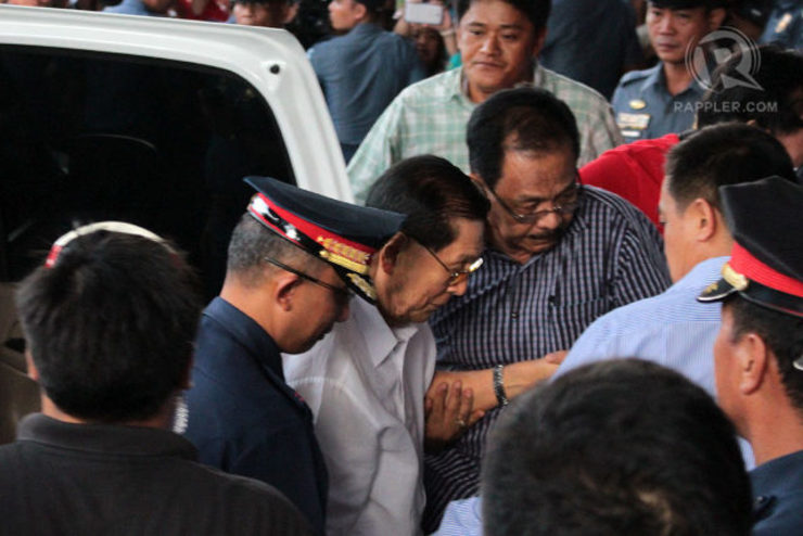 NOT YET SUSPENDED. Detained Senator Juan Ponce Enrile continues to discharge his duties as senator in the absence of any order suspending him. File photo by Rappler