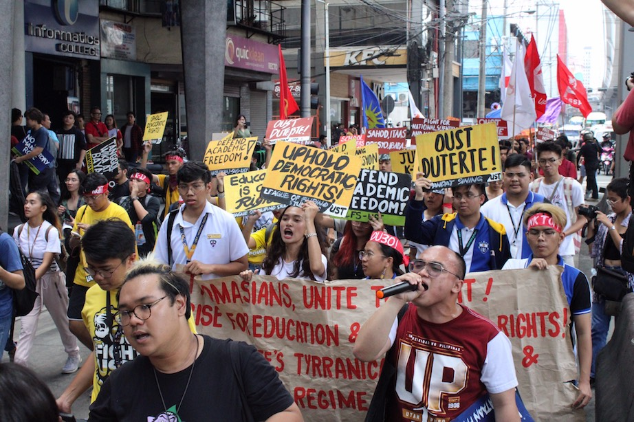 PROTEST. Students from different universities in Metro Manila take part in the nationwide protest on Friday, February 28 to oppose the impending tuition and other school fee increase. Photo by Kristine Vega