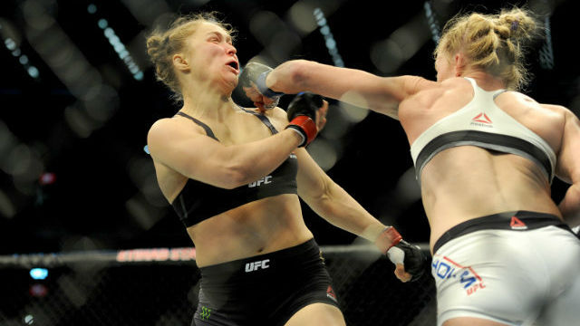 DELAYED. Ronda Rousey's comeback to the octagon will have to wait a little longer. File photo by Joe Castro/EPA