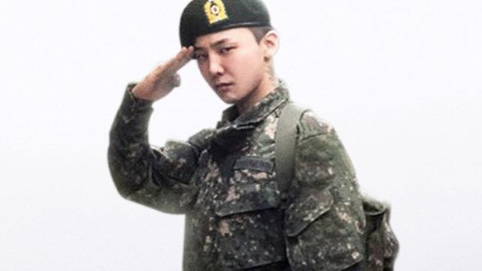 DISCHARGED. BIGBANG member G-Dragon finished his 18-month term of military service in South Korea. Photo from G-Dragon's Facebook page