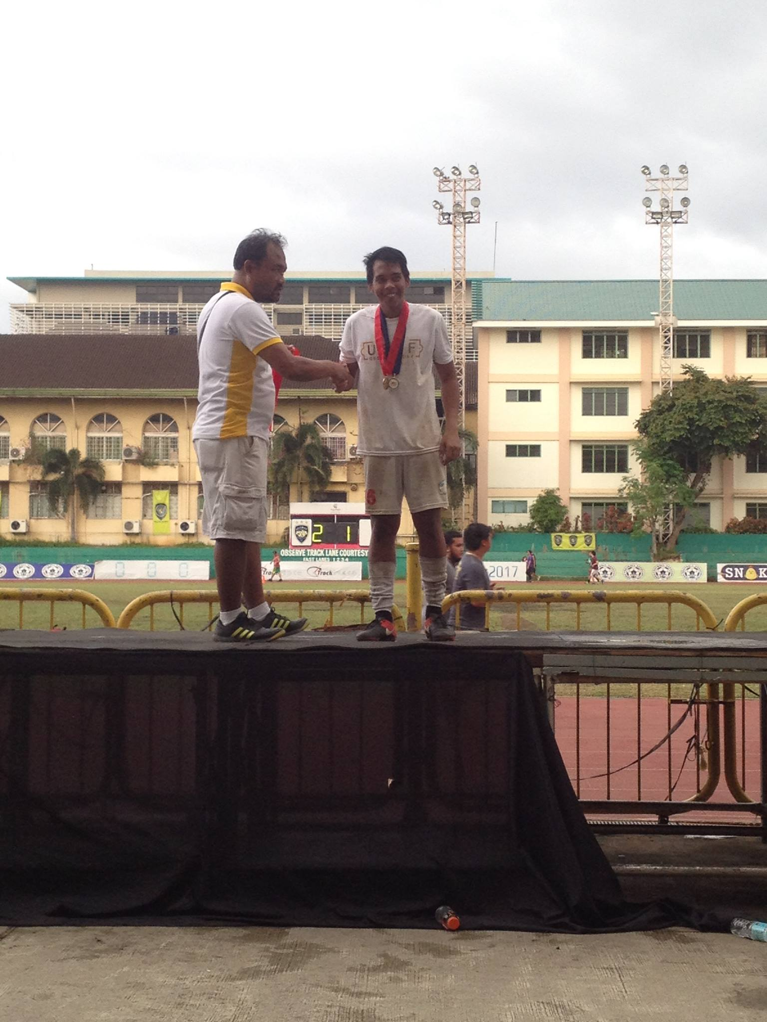 CONSOLATION. The Kicking Panther Bennydick Saligan earns the best goalkeeper honors in the league. Photo by Mars G. Alison/Rappler