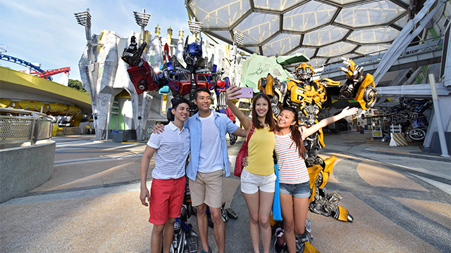 IN AWE. Feel the adrenaline rush as you go beyond the screen and Ride The Movies at Universal Studios Singapore