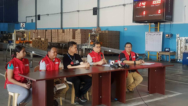 NO CHRISTMAS BREAK. DSWD OIC Emmanuel Leyco says DSWD personnel in affected areas are working round the clock to address needs of those affected by Typhoon Vinta. Photo from DSWD
